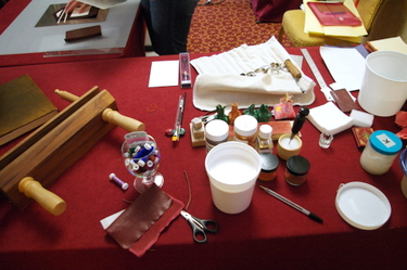 Tools and materials for Islamic binding