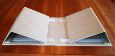 Collapsible book cradle